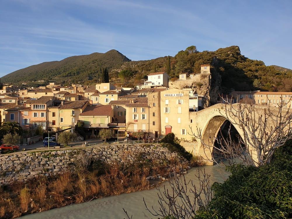 Que voir et visiter à Nyons dans la Drôme ?